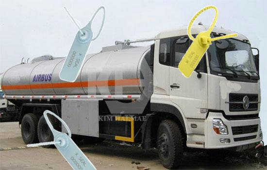 seal nhựa niêm phong xe bồn xăng dầu